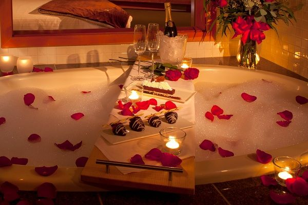 Romantic decorating ideas for valentine 39 s day for Bathroom ideas for couples