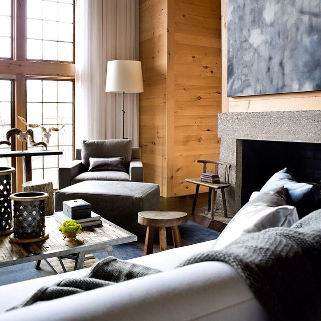 Love the wooden walls !!